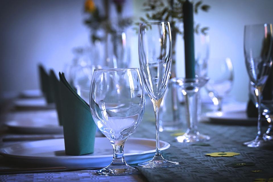 gedeckter table 3604064 960 720